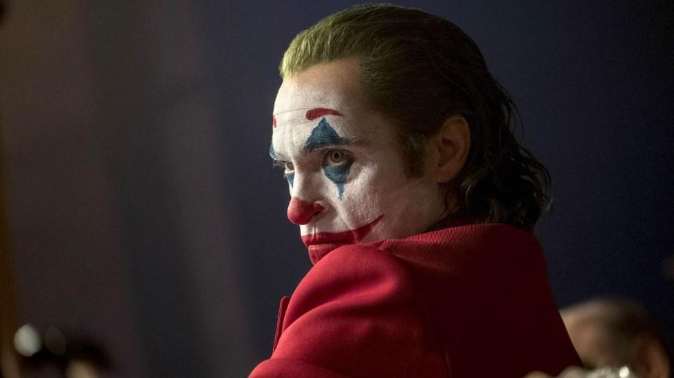 Hombre desata el pánico en función del 'Joker' en París - Joker película Joaquin Phoenix