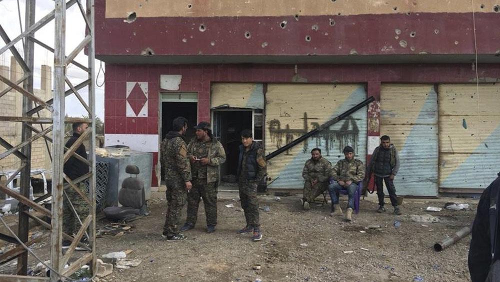 Escapan más de 100 detenidos del Estado Islámico tras invasión turca en Siria - Más de 100 detenidos de EI escaparon tras invasión turca en Siria, dice EEUU