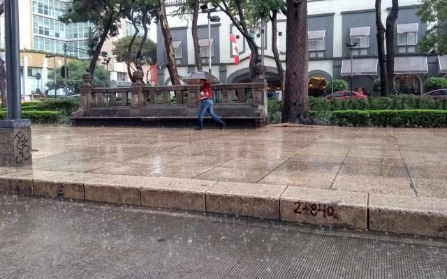 Alerta amarilla por lluvias en toda la Ciudad de México - Lluvia en la Ciudad de México. Foto de López-Dóriga Digital