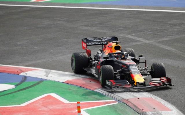 Max Verstappen obtiene la 'pole' en el GP de México - Foto de EFE
