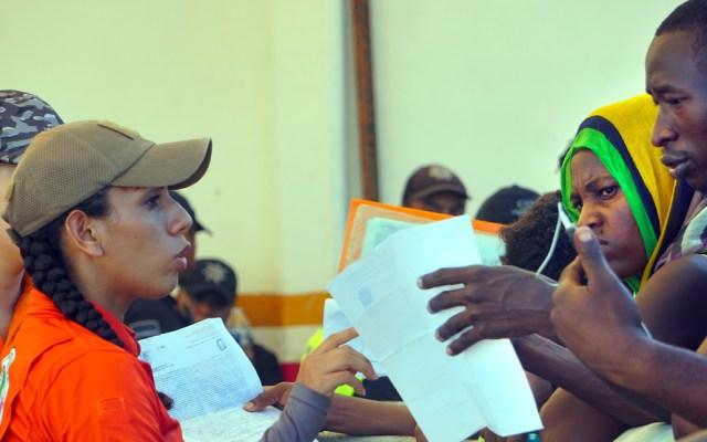 Migrantes africanos en Tapachula emprenden caravana rumbo a EE.UU. - Migrantes africanos en Tapachula