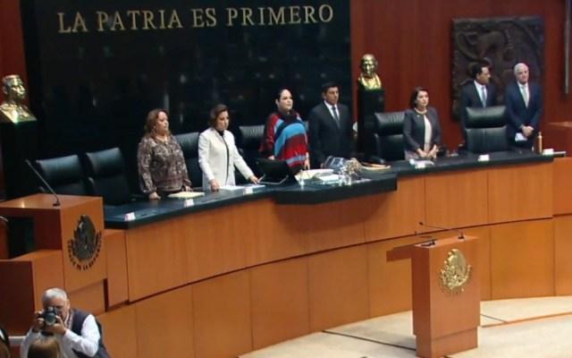 Senado guarda un minuto de silencio en honor a Miguel León-Portilla - Minuto de silencio en el Senado por León-Portilla. Captura de pantalla