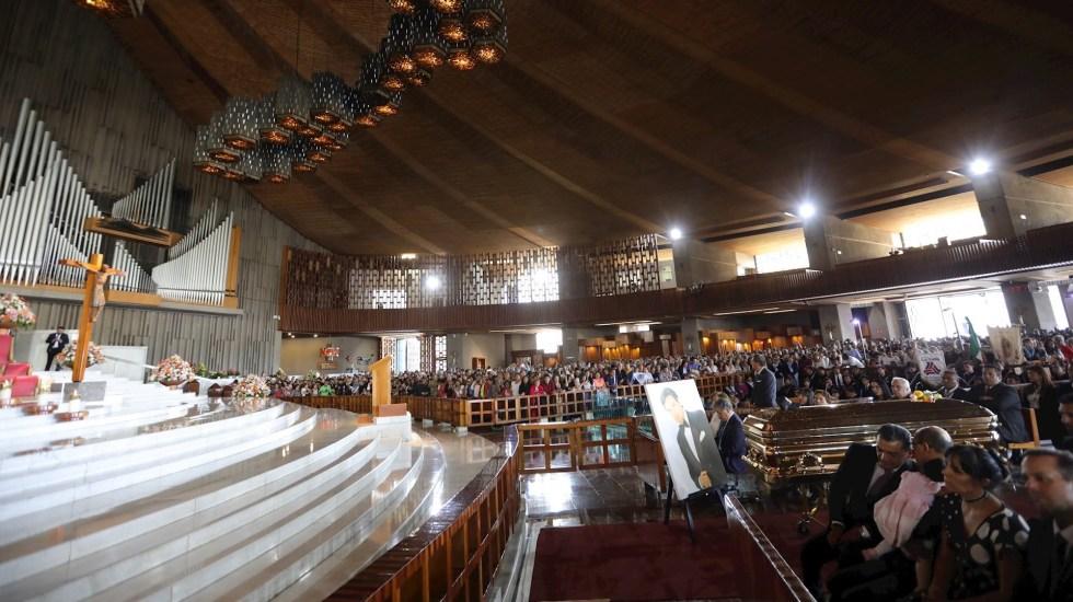 Concluye misa en memoria de José José - Foto de EFE/ Sáshenka Gutiérrez.