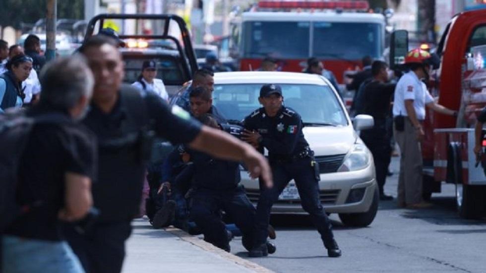 Sujeto armado toma rehenes en banco de Pachuca; es abatido