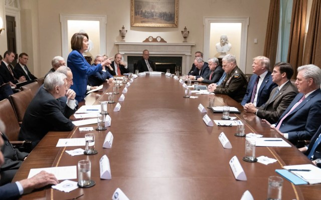 Pelosi abandona reunión con Trump sobre Siria tras insultos - Nancy Pelosi Estados Unidos Congresista 2 reunión Trump