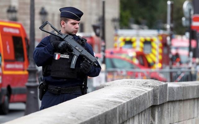 Esposa de asesino de policías en París alertó sobre su comportamiento - Policía París ataque
