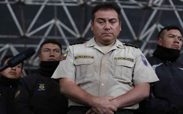 Manifestantes indígenas en Quito retienen a policías - Policías retenidos por indígenas en Quito. Foto de EFE