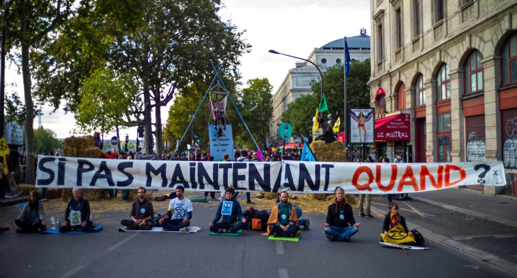 Activistas protestan en diversas ciudades por inacción frente al cambio climático - Foto de EFE