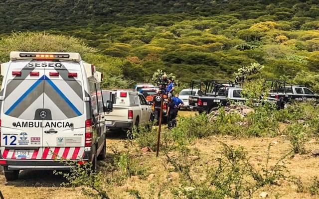 Mueren dos tras desplome de avión pequeño en Querétaro - Unidades de emergencia hacia la zona del desplome de avión pequeño en Querétaro. Foto de PC El Marqués