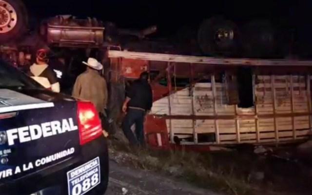 Accidente carretero deja un saldo de 20 peregrinos heridos - Foto de Quadratín