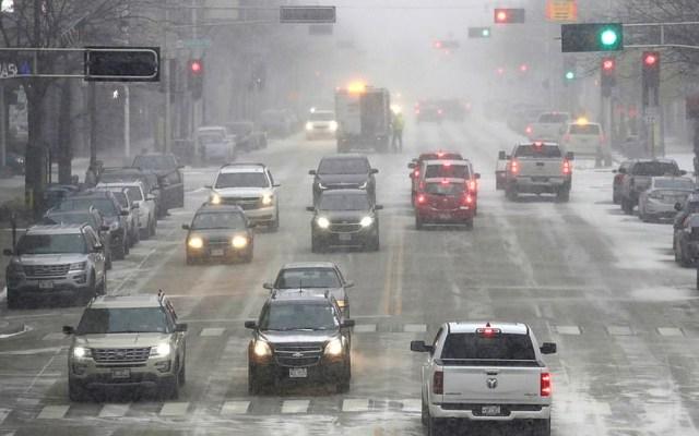 Al menos seis muertos en EE.UU. por tormentas invernales del Ártico - Accidentes viales en Estados Unidos