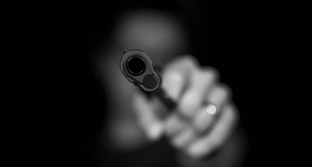 Ladrones se hacían pasar por empleados de paquetería para robar casas en Naucalpan - Asalto Robo arma de fuego