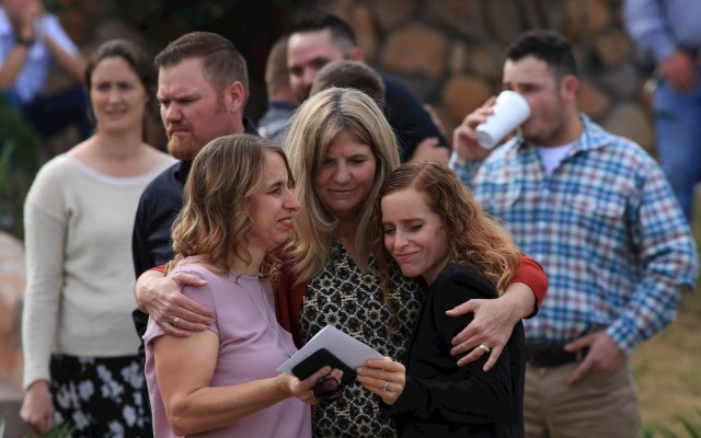 Familia LeBarón despide a sus muertos en La Mora - Ataque LeBarón Sonora funeral