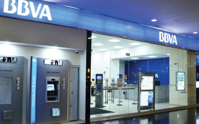 Bancos suspenderán operaciones este lunes - Foto de Twitter