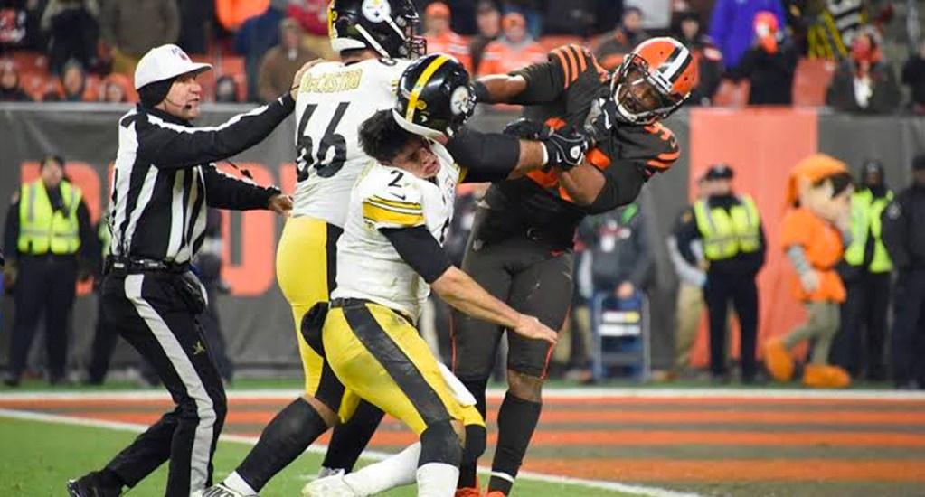 #Video La agresión de Miles Garrett (Browns) a Mason Rudolph (Steelers) - Agresión de Myles Garrett
