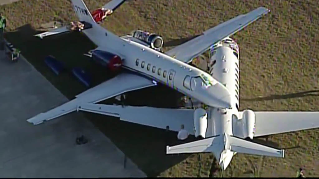 Chocan dos aviones en aeropuerto de San Antonio - Choque de aviones Aeropuerto Texas San Antonio