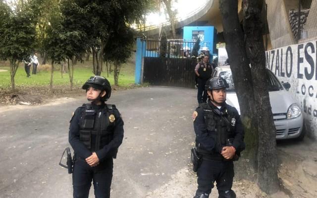 Hallan a hombre colgado a un costado de Río San Joaquín - Colgado árbol colonia Granada Ciudad de México