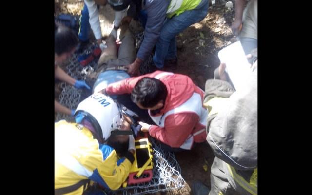 Derrumbe en Tlalpan deja un muerto y tres lesionados - Derrumbe Tlalpan Ciudad de México bomberos