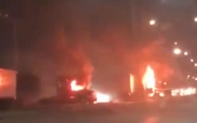 Muere policía herido durante balacera en Nuevo Laredo - El día en que fuerzas de Nuevo Laredo se enfrentaron con presuntos miembros del CDN hubo quema de vehículos y bloqueos viales
