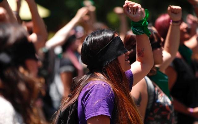 """Guatemala se une al acto feminista """"Un violador en tu camino"""" - Mujeres apoyan movimiento"""