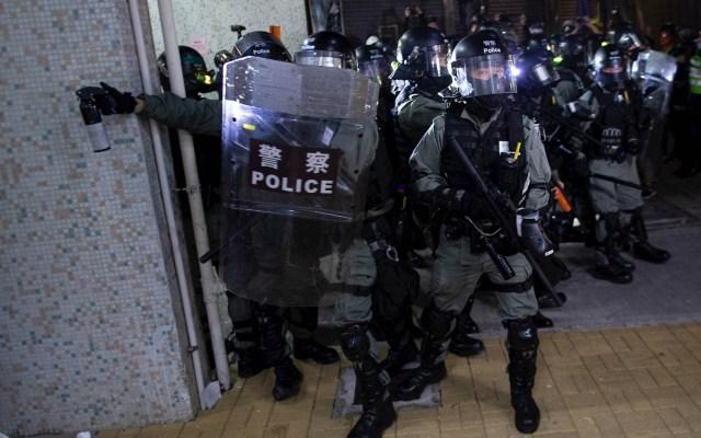 Jornada violenta y de luto en Hong Kong por muerte de estudiante - Hong Kong protestas disturbios China