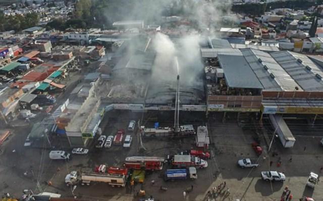 Suman 10 bodegas dañadas por incendio en Central de Abasto de Querétaro - Foto de Quadratín