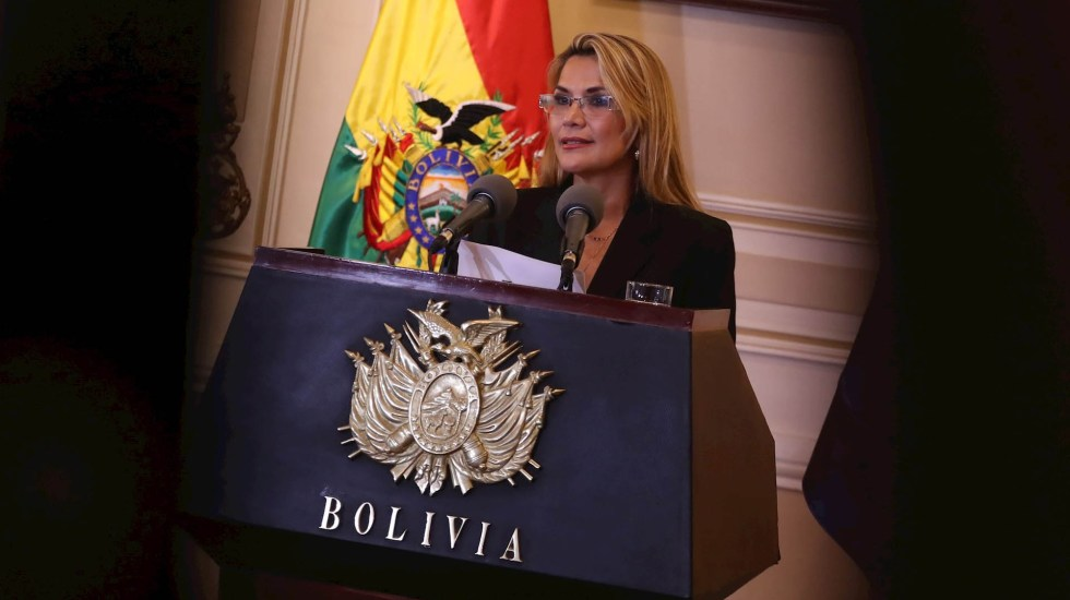 Gobierno interino de Bolivia asegura que Áñez no será candidata presidencial - Jeanine Áñez Bolivia presidenta interina