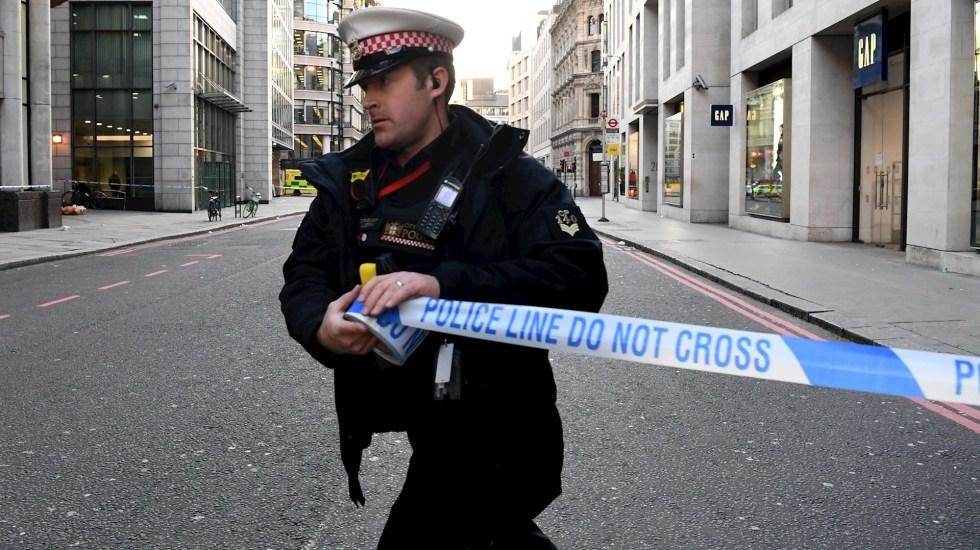 Dos muertos y tres heridos en el ataque terrorista en el Puente de Londres - Foto de EFE/EPA/FACUNDO ARRIZABALAGA.