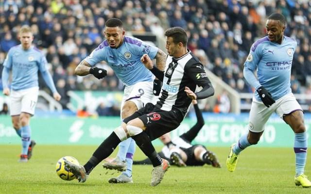 Newcastle empata con Manchester City y lo aleja del liderato de la Premier - Newcastle le empata al Manchester City y lo aleja de ganar la Premier