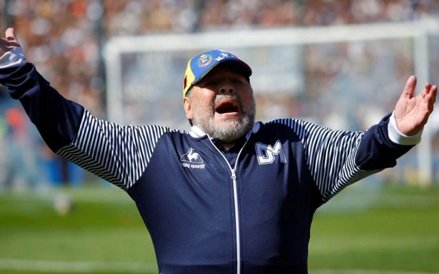 Maradona queda fuera del Gimnasia y Esgrima La Plata - Diego Armando Maradona sale del Gimnasia