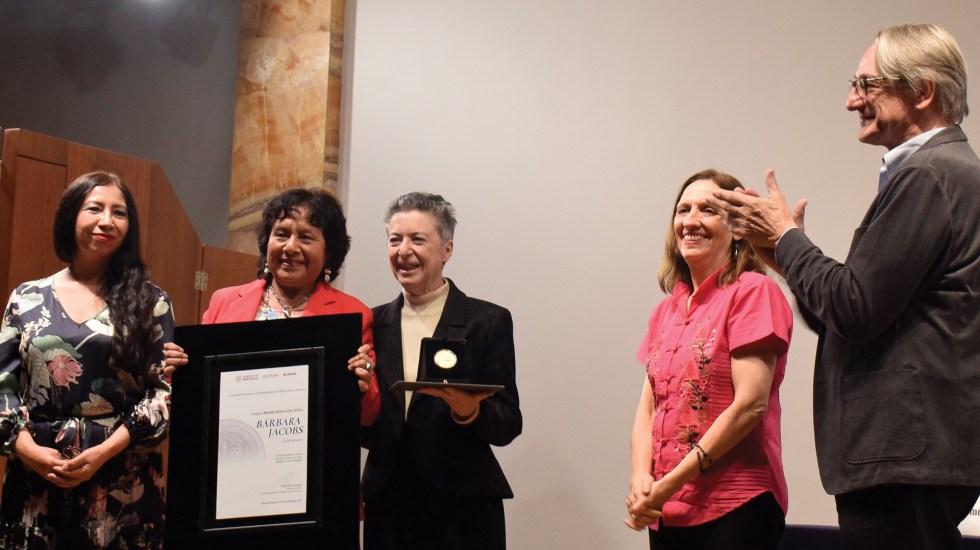 Entregan Medalla Bellas Artes a Bárbara Jacobs - Foto de EFE