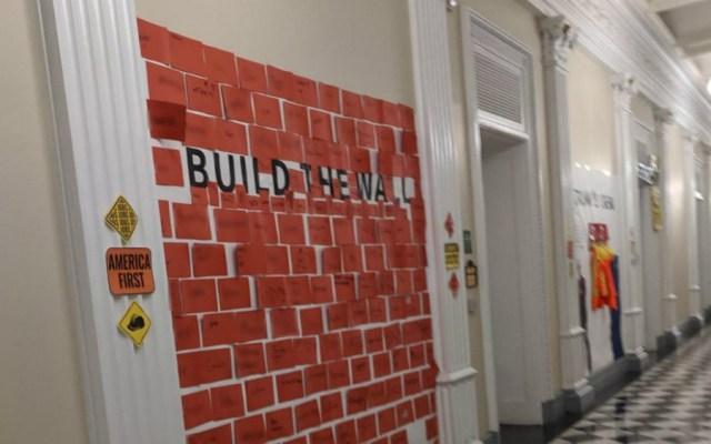 Piden a niños construir muro en fiesta de Halloween de la Casa Blanca - Foto de Yahoo News