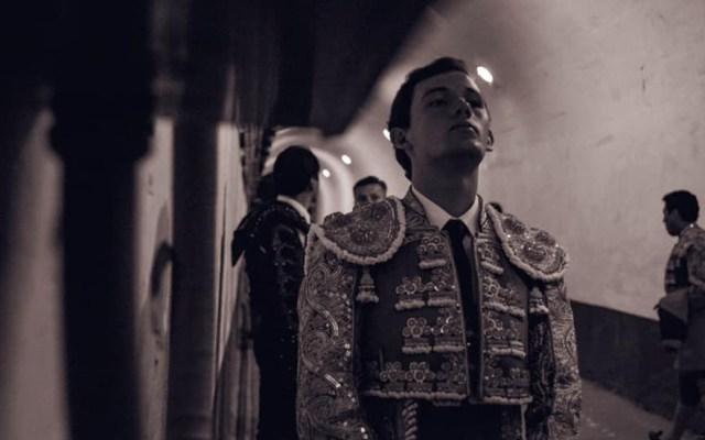 Novilladas cierran temporada sin orejas - Novillero Miguel Aguilar antes de salir a la Plaza de Toros México. Foto de @LaPlazaMexico