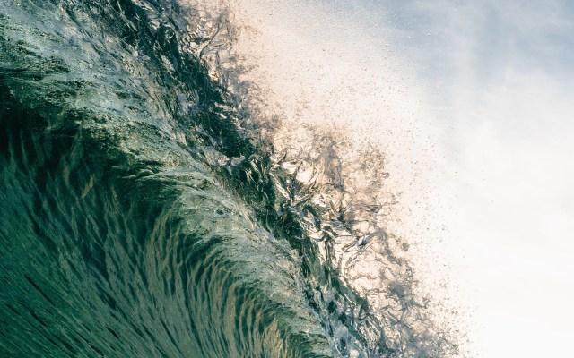Presidente Bukele alerta posible tsunami en El Salvador - Foto de Matt Hardy / Unsplash