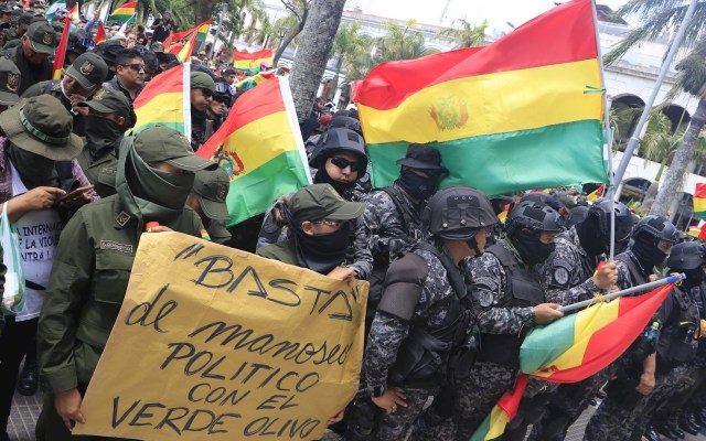 El riesgo en Bolivia es que la crisis se agrave y la violencia se desborde: Zovatto - Foto de EFE/Juan Carlos Torrejón.