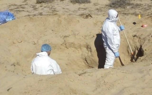 Descubren 10 osamentas más en Puerto Peñasco, Sonora - Foto de @fgjesonora