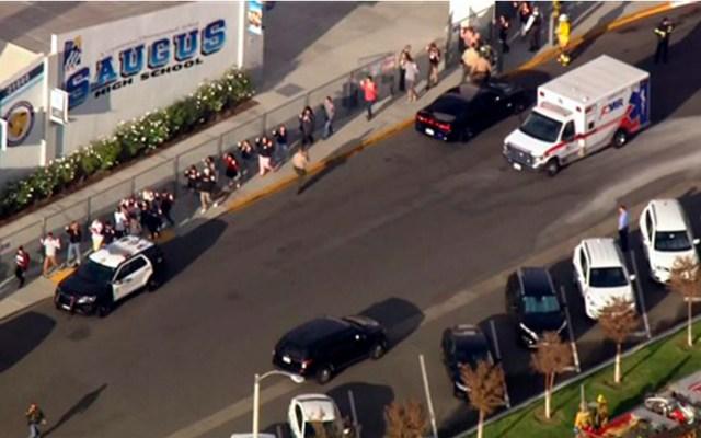 Tiroteo en secundaria de Santa Clarita, California, deja un muerto y cuatro heridos - Tiroteo Santa Clarita, California. Foto de KNBC