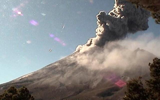 Popocatépetl registra 148 exhalaciones y una explosión moderada - Volcán Popocatépetl el 28 de noviembre de 2019. Foto de @PC_Estatal