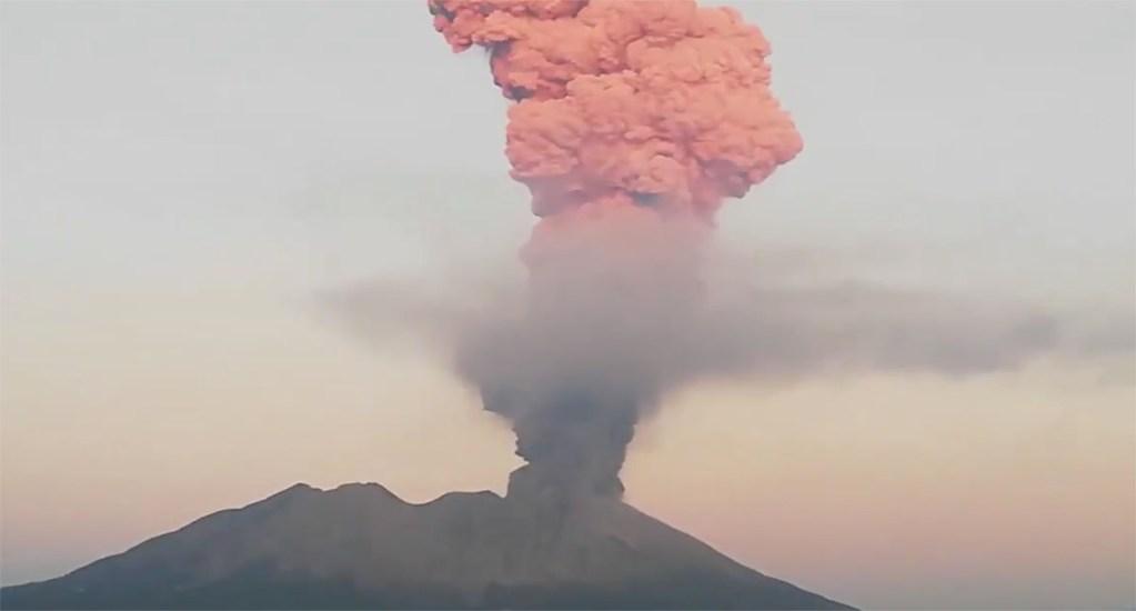 #Video Erupción del volcán Sakurajima eleva gran fumarola. Noticias en tiempo real