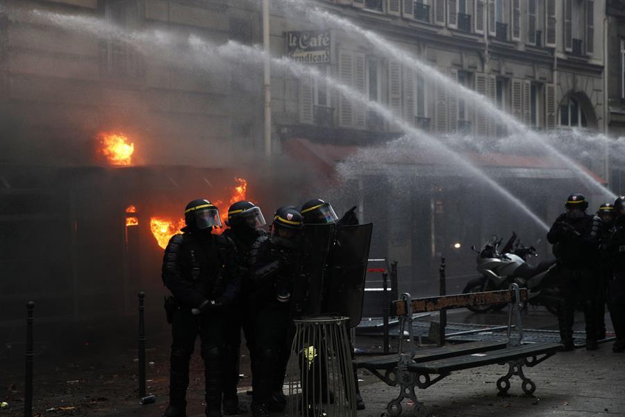 Manifestación en París deja enfrentamientos y 71 detenidos