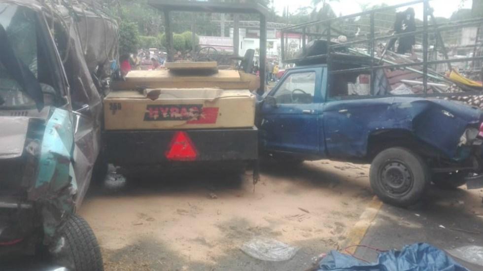 Aplanadora cae sobre autos en Veracruz y lesiona a ocho personas - Foto de Quadratín