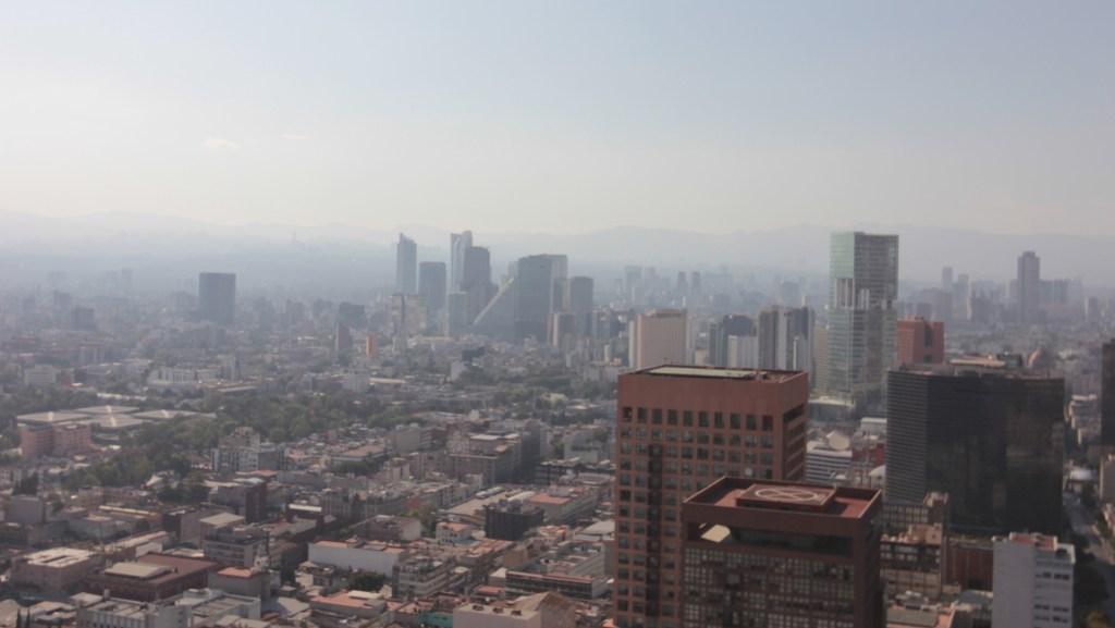 Continuarán restricciones por altas concentraciones de ozono en el Valle de México - Ciudad de México con altos niveles de contaminación. Foto de NOTIMEX/FOTO/SUSANA GIL/SGV/ENV.