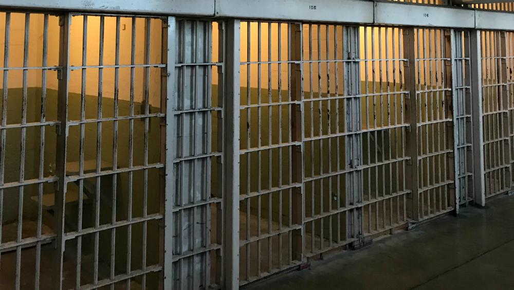 Sentencian a dos hombres con 25 años de cárcel por armas y droga - prisión cárcel