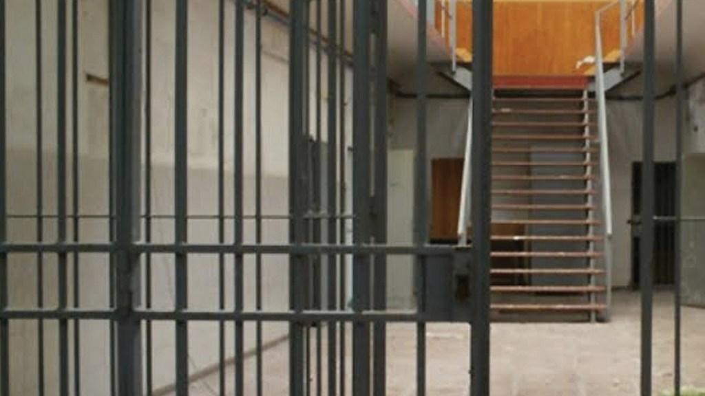 Condenan a 22 años de cárcel a hispana acusada de narcotráfico desde México - Foto de archivo