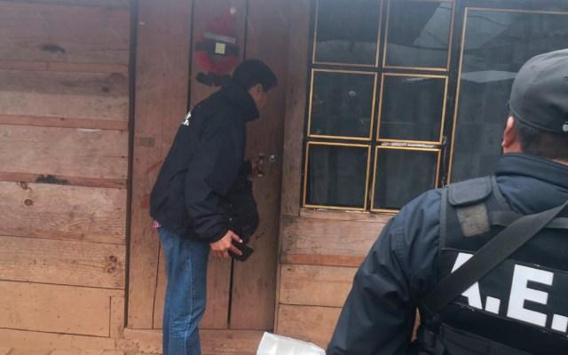 Catean casas en Oaxaca en búsqueda de instrumentos robados a filarmónica - Cateo de casas en San Pedro y San Pablo Ayutla para búsqueda de instrumentos robados de banda filarmónica. Foto de @FISCALIA_GobOax