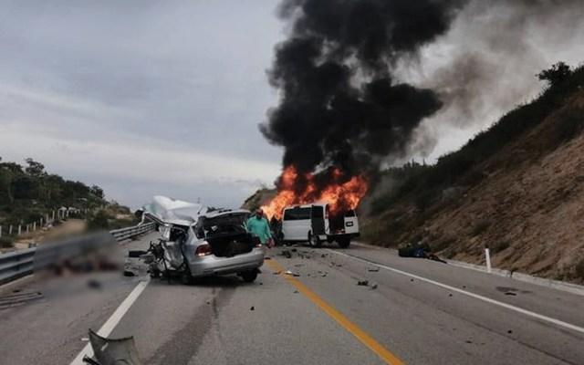 Choque deja dos muertos y cinco heridos en BCS - Foto de Secretaría de Seguridad Pública