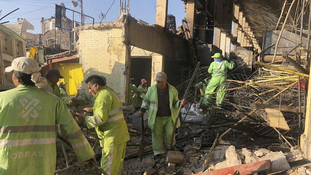 Continúan trabajos de remoción de escombros en La Merced - Continúan trabajos de remoción de escombros en La Merced