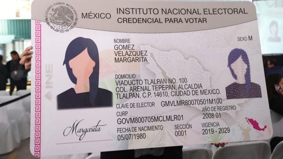 Autorizan a 4.5 millones de ciudadanos votar con credencial vencida en elecciones de 2021 - Nueva credencial para votar es la más segura en la historia: INE