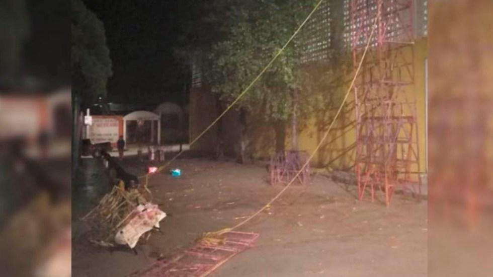 Castillo pirotécnico se desploma sobre cableado y electrocuta a siete en Hidalgo - Desplome de castillo en Hidalgo. Foto Especial / Quadratín