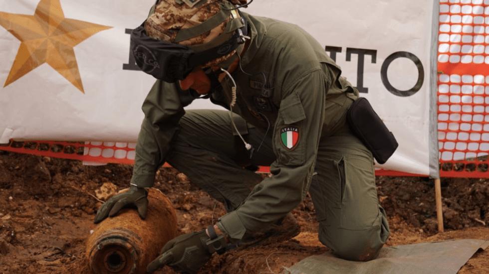 Desalojan ciudad en Italia por bomba de la Segunda Guerra Mundial - Foto de @Esercito